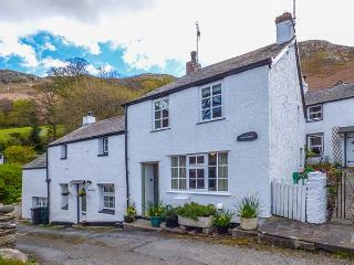TAN Y BONT COTTAGE, enclosed courtyard, WiFi, character cottage, Penmaenmawr, Re