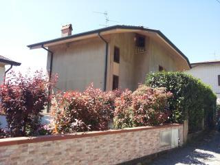 Villa singola con piscina zona Corsanico