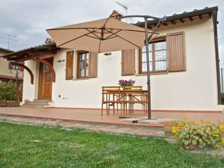 Lovely detached cottage with view of San Gimignano