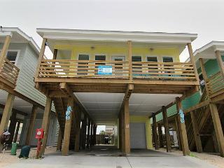 4 bedroom 3.5 bath stilt home in brand new Ocean Village!, Port Aransas