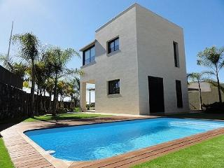 Luxury Detached Seafront Villa Julia *****, Adèje