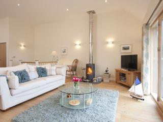 House 23 - Pet friendly luxury holiday home.On site swimming pool, gym and sauna