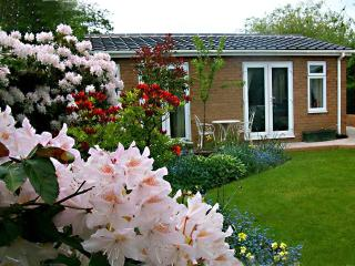 The Villa Self Catering Cottage Apartment Wirral, Neston