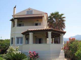 Seafront Villa in Almyros