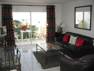 Seaview apartment with heated swimming pool, Playa de las Americas