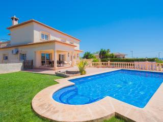 VILLA PALMIRA: near town-center, aircon, pool, Calpe