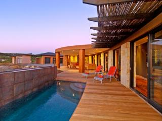 PEZULA RIDGE LUXURY VILLA, Knysna
