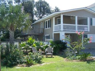 Rare House w/ Ground Floor Entrance-  Pet Friendly, Surfside Beach