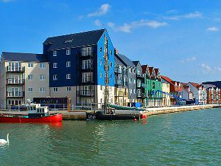 Seaside Sunny Vacation Beach No Smoking Apartment, Littlehampton