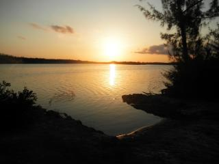 Lake Villa, Nassau