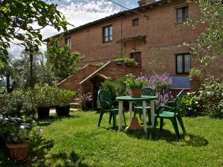 TERRAZZO FIORITO sulle colline in Toscana, Montaione