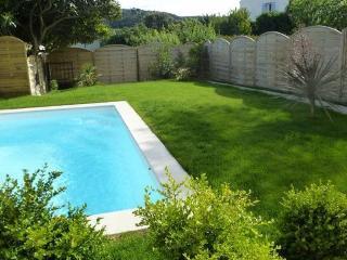 maison avec jardin et piscine privee a martigues