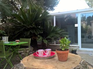 Villa avec jardin, parking proche de la mer., Niza