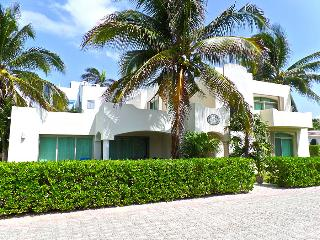 Villa Jalach-Naj - White Tropical Sands Only Steps From Your Front Door!