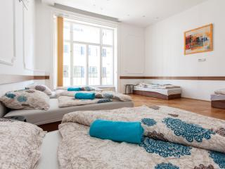 Three-Bedroom Apartment 'KRISTÓF', Budapest
