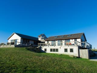 SAWYW -  Designer Luxury with Oustanding Atlantic Ocean Views,  Private Beaches, Squibnocket Farm Gated Community, Chilmark