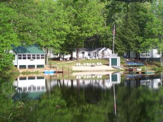 Tall Pines Cottages: One and Two bdr. cottages, Henniker
