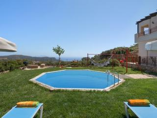 Villa Nikos with Pvt Pool in Rethymno, Crete