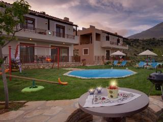 Villa Stefania with Pvt Pool in Rethymno, Crete, Triopetra
