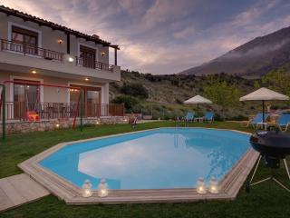 Villa Nikos with Pvt Pool in Rethymno, Crete, Triopetra
