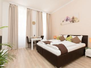 Pezzl Brown - 013935, Wien