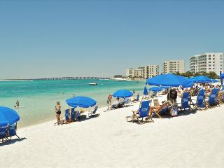 '19 GulfBreeze Court' Townhome close to the Jetties, Snorkel and Fishing Paradise!!, Destin