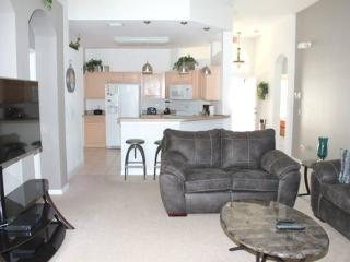 Beautiful 4 Bedroom 3 Bathroom Pool Home in Calabay Parc. 327OD
