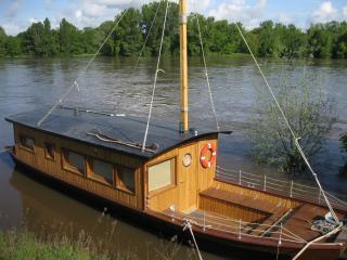 Loire Valley Cabane sur la Loire - Boat cabin, La Chapelle-aux-Naux