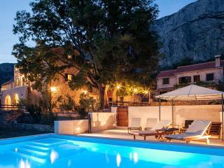 Charming stone villa 'Silva' Tucepi