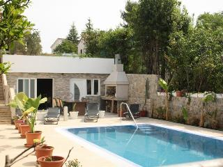 Bright and Modern Apartment Vito with a Pool  A4a, Krk