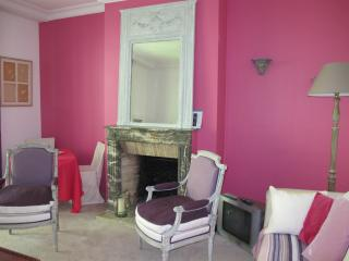 Chambre de charme très calme Appartement 5 mn Champs Elysées., Neuilly-sur-Seine