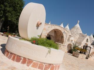 I trulli dell'Abate, Villa Castelli