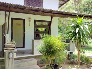 Tropical Bungalow near Beach sp A, Surat Thani