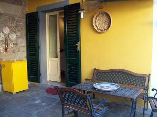 Lucca Via Guinigi 9 including bills and WiFi