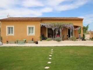3-bedroom house w/ garden in Isle sur la Sorgue