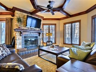 Comfortable House with 2 BR, 2 BA in Mont Tremblant (Les Manoirs | 108-1)