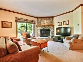 Gorgeous 2 BR, 2 BA House in Mont Tremblant (Le Plateau | 216-5)