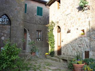 Country House on the Tuscan hills, Sassofortino