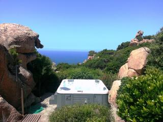 ROCCE ROSA with jacuzzi in the rocks in wild Sardinia you've never seen, Costa Paradiso