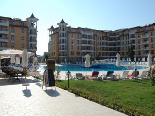 Pool-view apartment in the exclusive Royal Sun, Sunny Beach