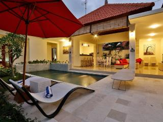 Amazing 3 Bedroom, Pool Villa In Beautiful Canggu
