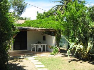 Villetta rustica con giardino, 50mt dalla spiaggia, Costa Rei