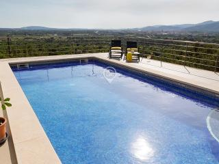 Villa with Panoramic View | Swimming pool & BBQ, Inca