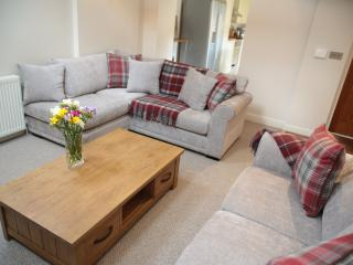 5* Luxury Cottage & Private Hot Tub, Thirsk