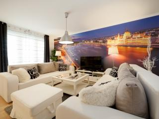 Dream Homes Family Apartment HOLLO2, Budapest