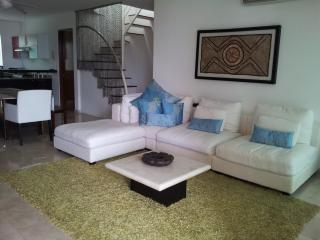 Papaya Stunning Multi level three bedroom PH, Playa del Carmen