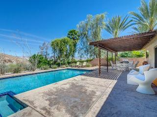 A Pool House for Nature Lovers, Cathedral City