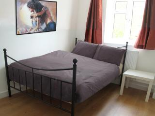 Private Double Room - Walk to the London Eye (ECU), Londen