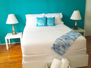 $89 tonight deal Miami Beach Cottage (4)