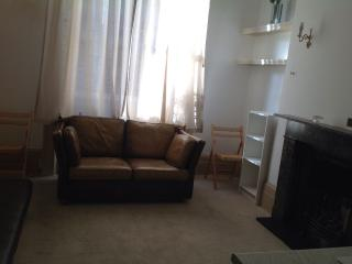 Short let flat near Victoria station, London
